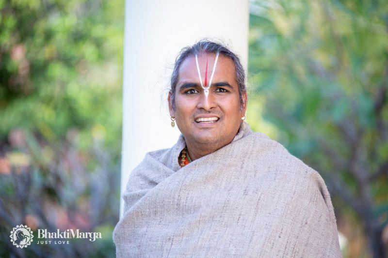 Paramahamsa Vishwananda, Guru, Satguru, Spiritual Master, Krishna, Bhagavad Gita, Kirtan, Kriya Yoga, Meditation, Love, God, Vaishnava, Narayana, Babaji, Swami,